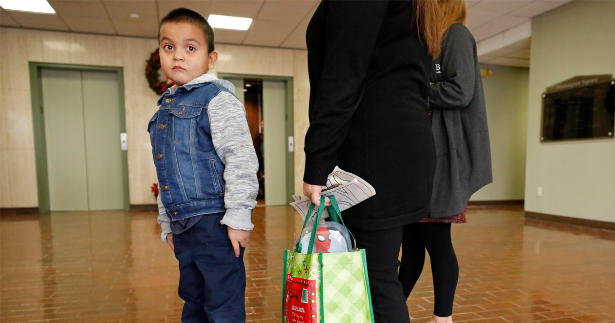 6 Year Old Separated From His Father Tells Judge He Wants