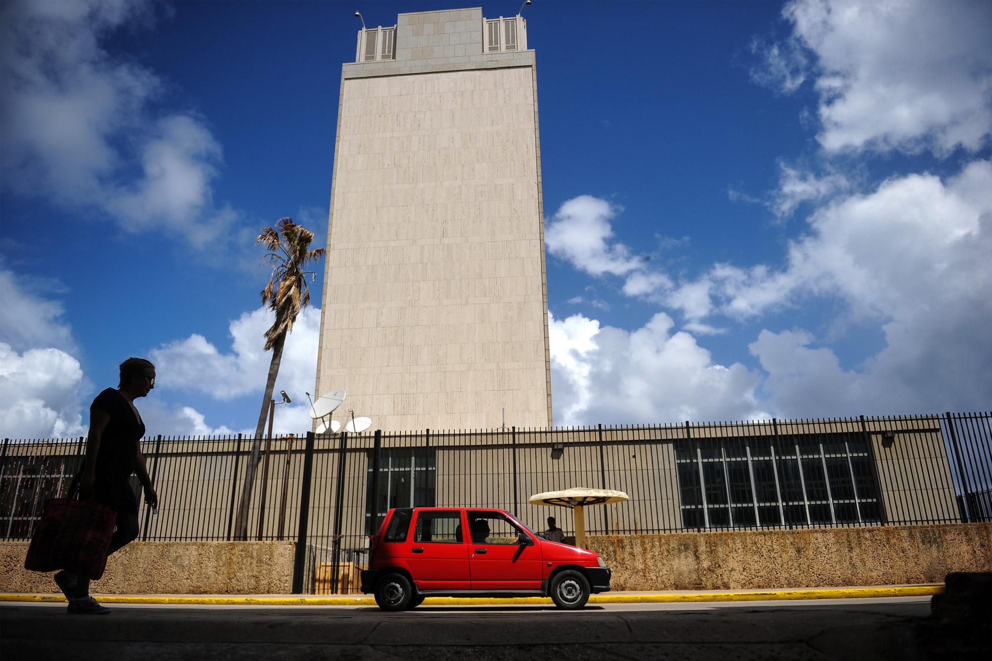 El extraño caso de los diplomáticos Americanos en Cuba: el misterio se intensifica y las divisiones en Washington también