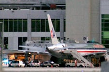 AA Flight 924 at Miami airport after Alpizar was shot (Richard Patterson/Getty Images)