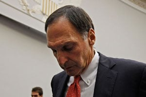 Former Lehman Brothers chairman and chief executive officer Richard Fuld leaves after testifying April 20, 2010, before the House Financial Services Committee about the collapse of Lehman Brothers. (Chip Somodevilla/Getty Images)
