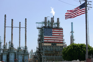 The BP West Coast Products LLC Carson oil refinery on Aug. 7, 2006, in Carson, Calif. (David McNew/Getty Images)