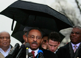 Illinois U.S. Senate appointee Roland Burris makes a statement after he left the U.S. Capitol Building on Jan. 6, 2009. (Mark Wilson/Getty Images)