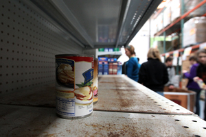 Canned food sits on the shelf at the San Francisco Food Bank on Nov. 23, 2009. (Justin Sullivan/Getty Images)