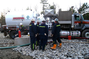 Gastem's contractors prepare to drill a vertical well into New York's Utica Shale. The gas well produced far less wastewater than a horizontal well drilled into the Marcellus Shale is expected to yield. (Joaquin Sapien/ProPublica)