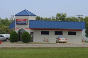 Holly's Health Mart in Prescott, Ark. (Marcus Stern /ProPublica)