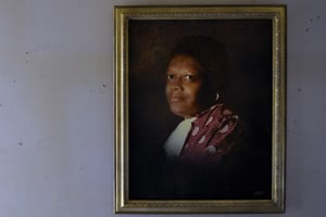 A portrait of Lillie Alexander, who went into cardiac arrest while on dialysis at a clinic in Annapolis, Maryland. The 72-year-old went without oxygen for about six minutes as staffers struggled to locate and use commonplace breathing equipment. Alexander died eight days later. (Ricky Carioti/The Washington Post)