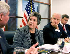 Arizona Governor Janet Napolitano, who is the nominee for Secretary of Homeland Security, and Vice President-elect Joe Biden receive a briefing on weapons of mass destruction while in Washington, December 3, 2008. (Reuters/Larry Downing)