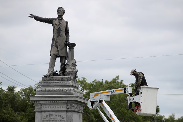 Confederate Monument Rally    Virginia Beach