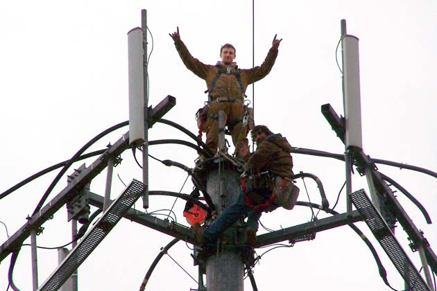 In Race For Better Cell Service Men Who Climb Towers Pay