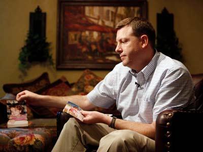Leslie Fullerton still blames himself for the death of his daughter. (Chicago Tribune/Chris Walker)