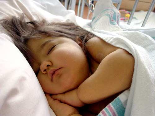 Mar. 12 2008: Natalie Fullerton, 2, dies months after using an AM2PAT syringe.